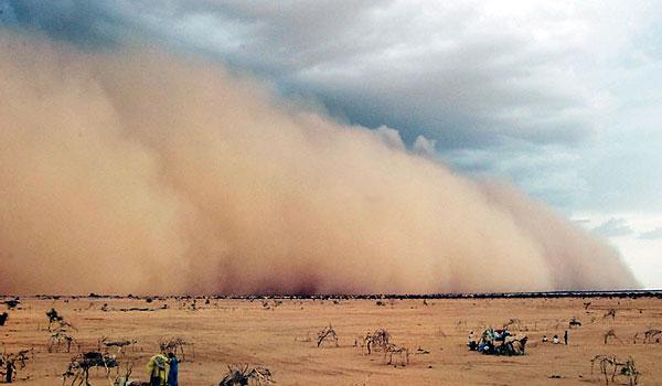 عواصف ترابية وغبار مشكل بيئي عابر للقارات